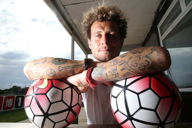Έχουν και οι ποδοσφαιριστές τα… τρελά τους τατουάζ! (photos)