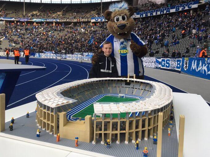"""Έτσι είναι τα """"στολίδια"""" της Bundesliga φτιαγμένα με Lego! (photos)"""